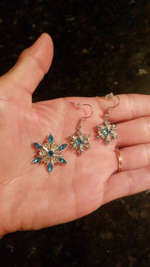 SS snowflake jewelry set for Sale in St. Petersburg, FL