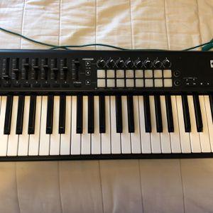 Novation LaunchKey 49 Midi Controller Piano for Sale in Chico, CA