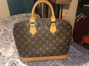 Authentic LV alma bag! Great codnitions normal wear! $700 for Sale in Nashville, TN