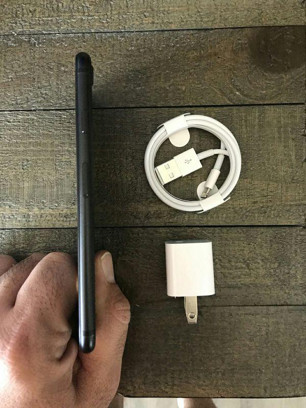 iPhone 7 Black 128 GB Factory Unlocked