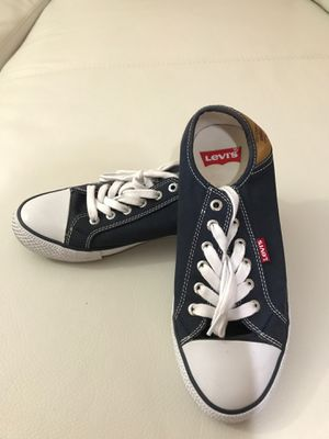 Levi's [Good Condition] - size 8 women - $7 for this pair for Sale in Gaithersburg, MD