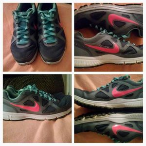 Nike shoes sz 9 for Sale in Knoxville, TN