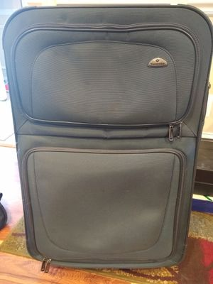 "Samsonite 29"" suitcase for Sale in Clarksburg, MD"
