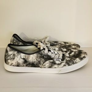 Vans Black and White Tye Dye Sneakers Size M7 W8.5 for Sale in Owensboro, KY