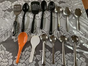 Kitchen utensils- 14 pieces for Sale in Aurora, IL