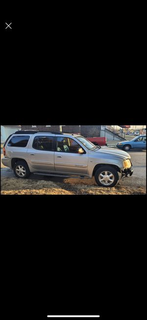 2005 gmc envoy parting out engine & transmission gone clean leather interior heated seats fully loaded for Sale in Chicago, IL