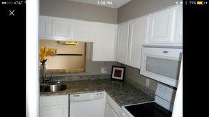 Whirlpool kitchen appliance set for Sale in Dallas, TX