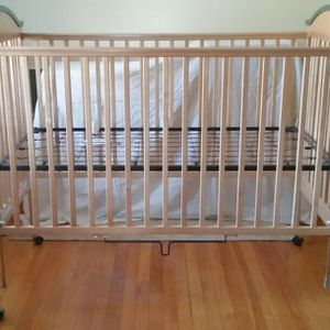 Crib & Dresser/Changing Table for Sale in Stratford, CT