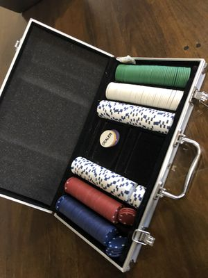 Poker chips with case for Sale in Southwest Ranches, FL