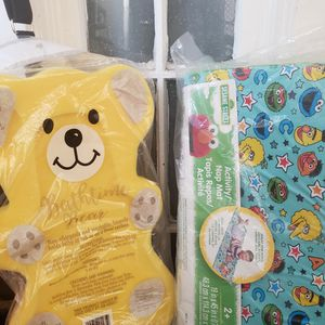 Foam Bath Bear & Play Mat for Sale in Paterson, NJ
