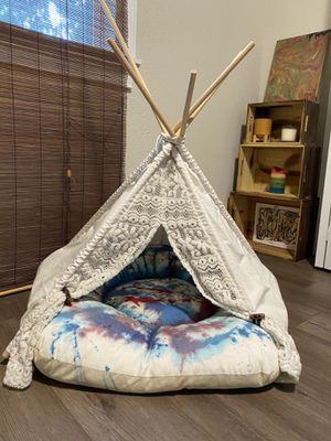 Teepee for small dog or cat for Sale in Tampa, FL