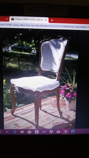 dainty French Antique CHAIR for Sale in Lanham, MD