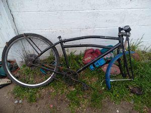 Scwhinn.80cc.motorbike.frame.needs.a.motor.and.tlc.80.bucks for Sale in Wichita, KS