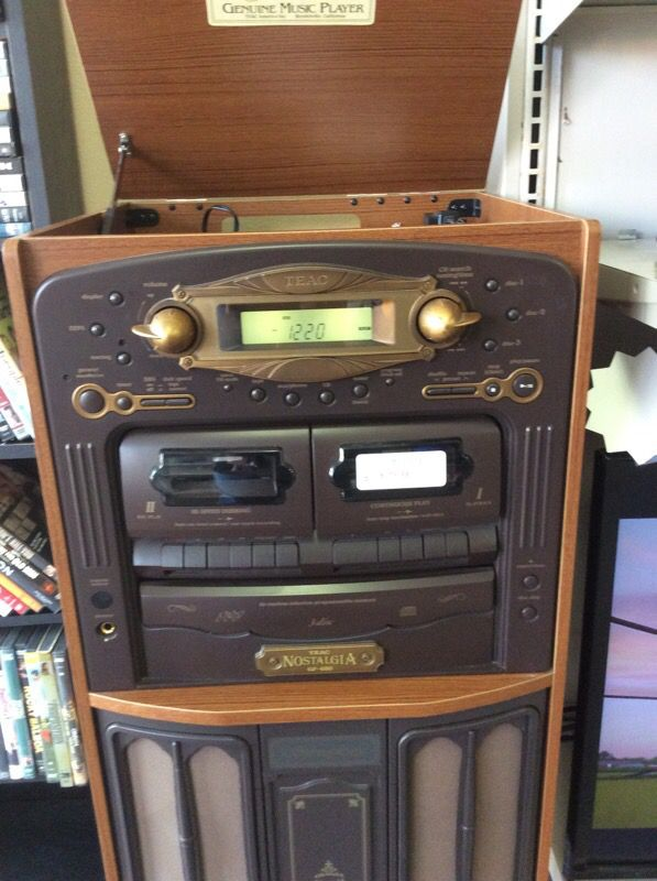 Nostalgia GF-680 Record / CD / Tape Player