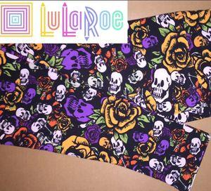 LuLaRoe TC Leggings Floral Skulls for Sale in East Peoria, IL