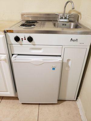 Avanti CK3016 Complete Kitchen with Refrigerator for Sale in Miami, FL