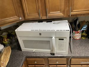 LG WHITE MICROWAVE OVER THE RANGE for Sale in Oklahoma City, OK