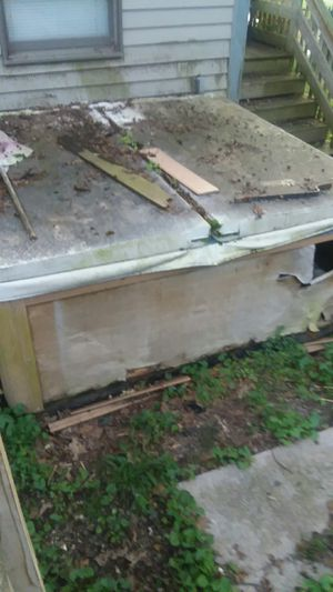 Hot tub free needs heater you move it for Sale in Holliston, MA