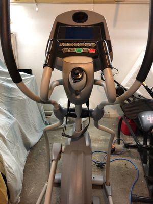 EUC Spirit XE 350 Elliptical Trainer Heavy Duty for Sale in Lansing, MI