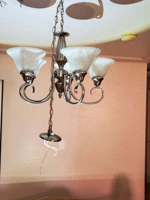 Dining room chandelier for Sale in Tacoma, WA