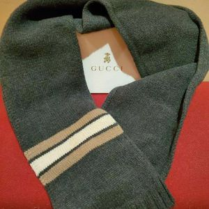 Kid's Gucci scarf for Sale in Chicago, IL