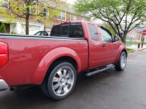 2007 Nissan Frontier 2 tone leather and much more! for Sale in Queens, NY