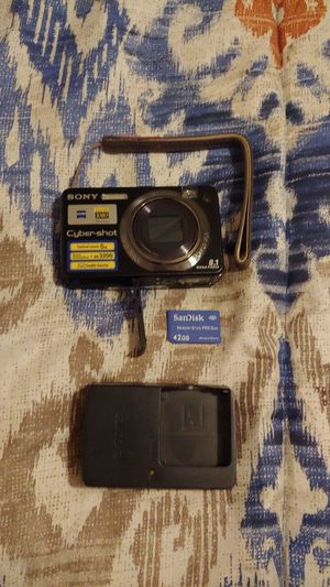 Sony Cybershot 8.1 megapixels camera with no battery for Sale in Omaha, NE