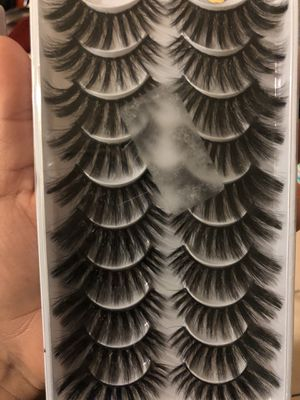 10 pairs dramatic lashes for Sale in Dinuba, CA