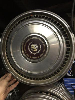 """Cadillac Eldorado hubcap 1981-1985 15"""" for Sale"""