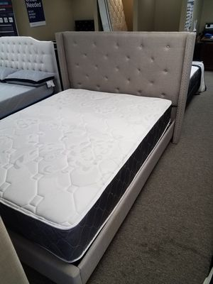 Gray nailhead PLATFORM bed with free delivery for Sale in Arlington, TX