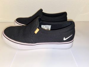 NikeCourt royal AC slip ons size 6.5 for Sale in Crowley, TX