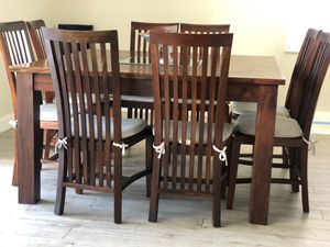 Dining Table and 8 chairs for Sale in Boca Raton, FL