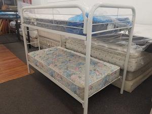 BUNK BED W MATTRESS/ CAMAS DE VENTA for Sale in Denver, CO