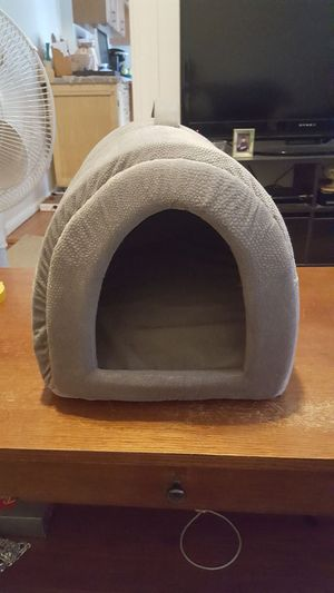 Cat hide away for Sale in Cambridge, MA