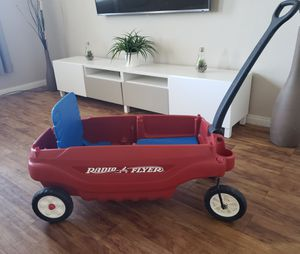 Nice Kids Radio Flyer red wagon for Sale in Spring Valley, NV