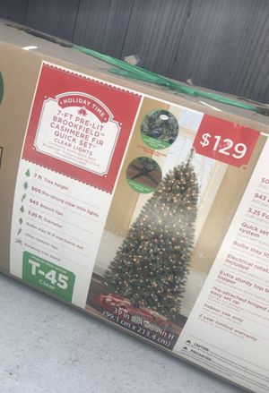 7 ft pre lit christmas xmas tree for Sale in Moreno Valley, CA