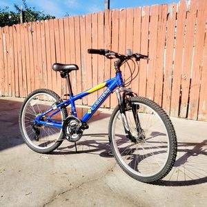 MOUNTAIN BIKES COLUMBIA SIZE 24 for Sale in Los Angeles, CA
