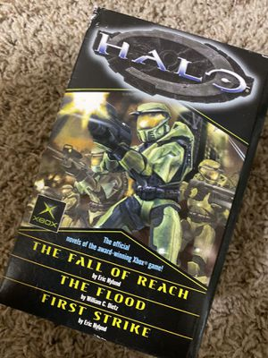 Xbox Halo: limited edition Book series for Sale in Kirkland, WA