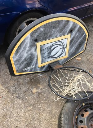 Basketball hoop for Sale in Woonsocket, RI