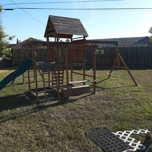 PlaySet For Young Boys Or Girls. for Sale in Sebastian, FL