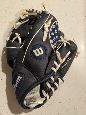 "wilson baseball glove 7 youth, 10"" A2481 kmdet for Sale in Winter Garden, FL"