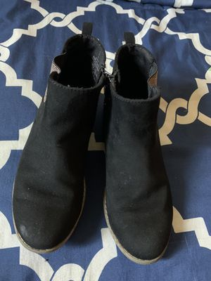 Girls Old Navy boots size 2 for Sale in Los Angeles, CA