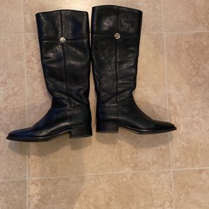 Almost New Tory Burch Boots for Sale in Pompano Beach, FL