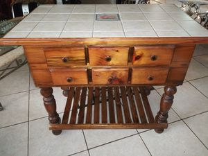 Kitchen Island portable for Sale in Fort Lauderdale, FL