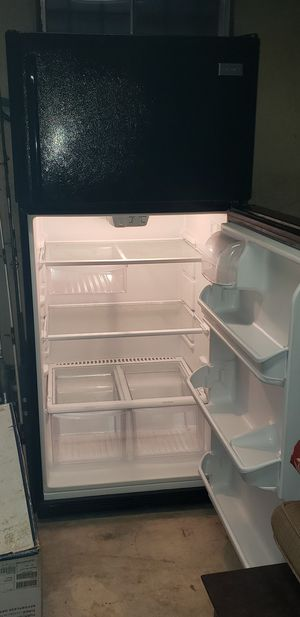 Frigidaire Top Freezer Refrigerator for Sale in Capitol Heights, MD