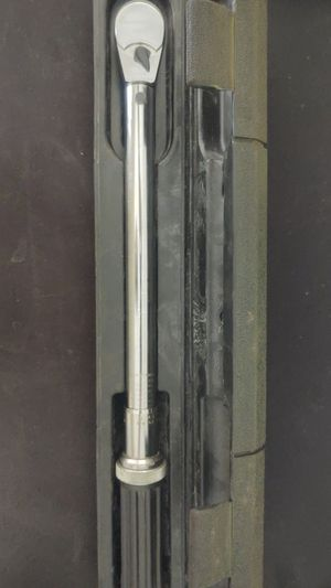 """Gearwrench 3/8"""" 100ft lb torque wrench for Sale in Bellevue, WA"""