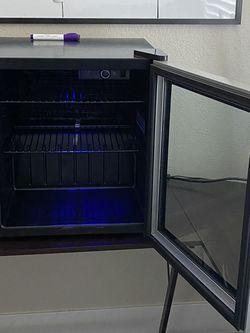 Glass door LED light mini fridge for Sale in Las Vegas,  NV