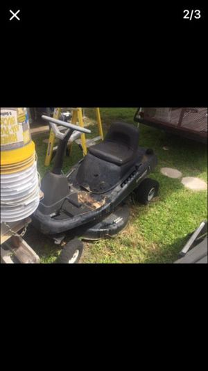 Riding mower 12 hp Briggs for Sale in Miami, FL