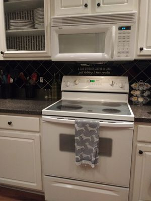 Stove, Microwave and Dishwasher Set for Sale in Winter Springs, FL