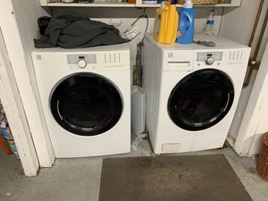 Kenmore washer and dryer electric for Sale in Byron, CA